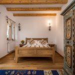 camera de famile, Hanul Vatra langa Horezu
